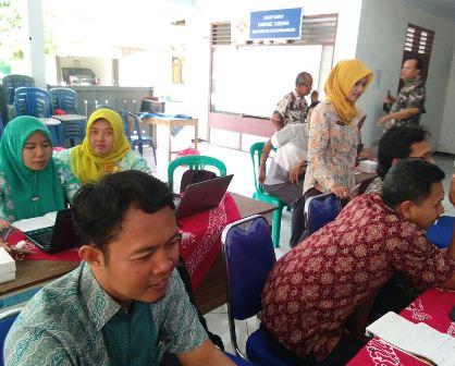 Puluhan Perangkat Desa di Kecamatan Kutowinangun dilatih pemanfaatan Kebumen On News